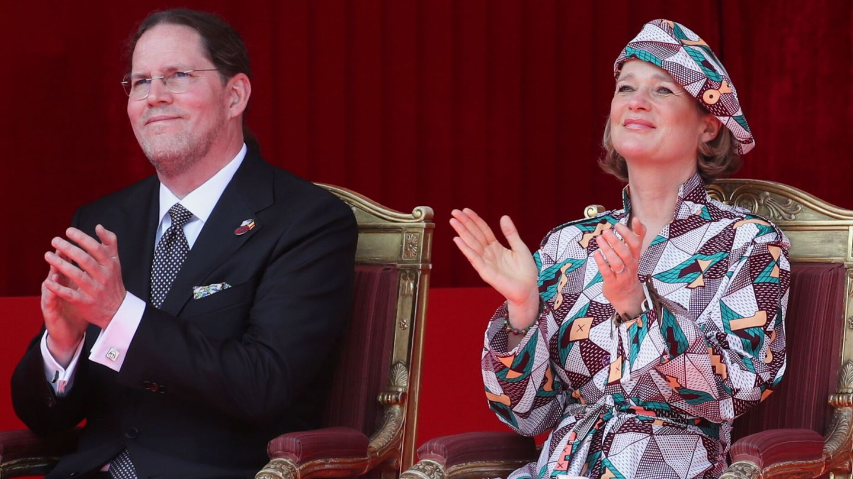 Delphine, con su marido. (EFE)