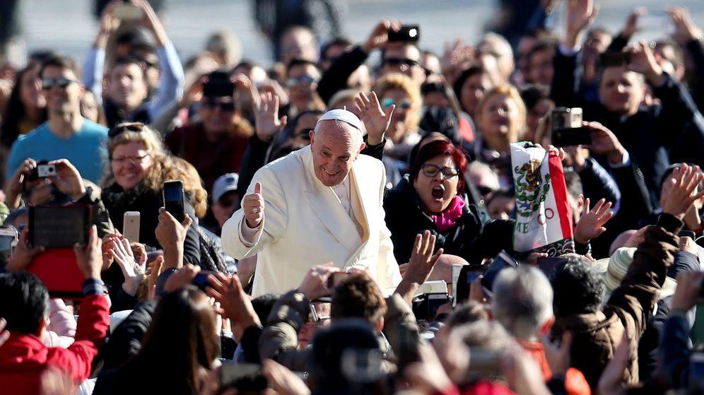 Foto: El papa Francisco en la Plaza de San Pedro. (Reuters)