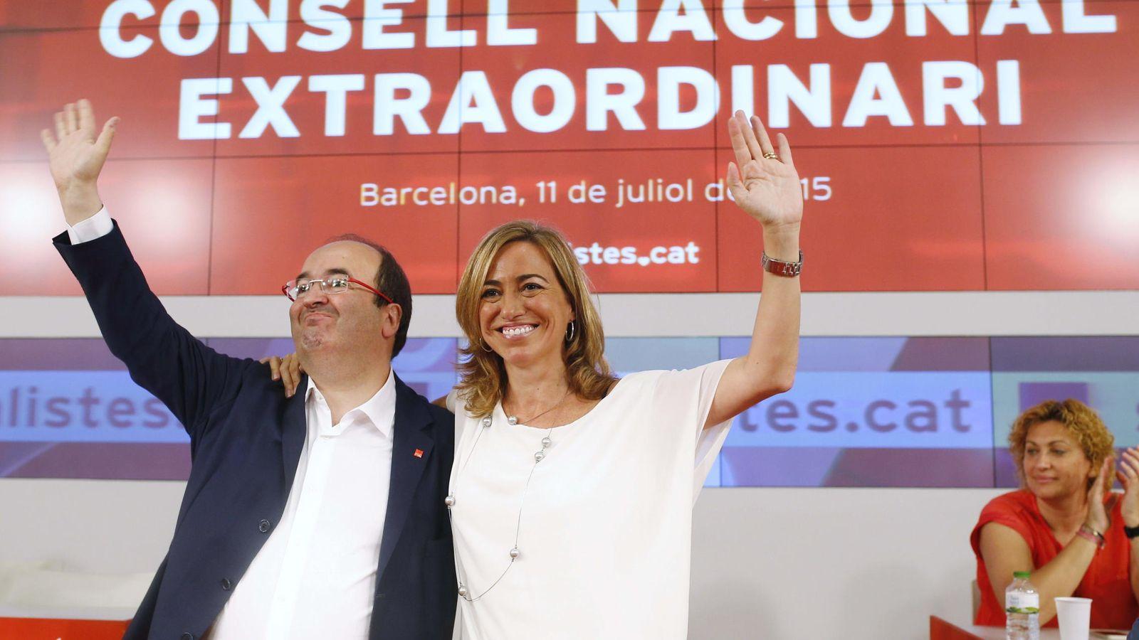 Foto: Miquel Iceta y Carme Chacón durante la reunión del consejo nacional del PSC en julio. (Efe)