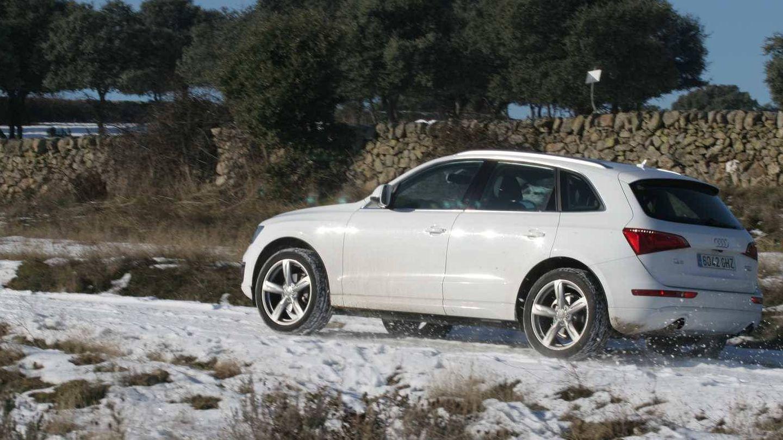 Conducir con suavidad, sin frenazos y acelerones, mejora la seguridad sobre carreteras nevadas