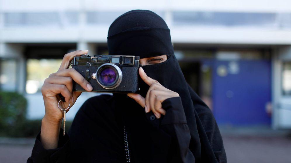 Foto: Una activista con 'niqab', en Dinamarca. (Reuters)