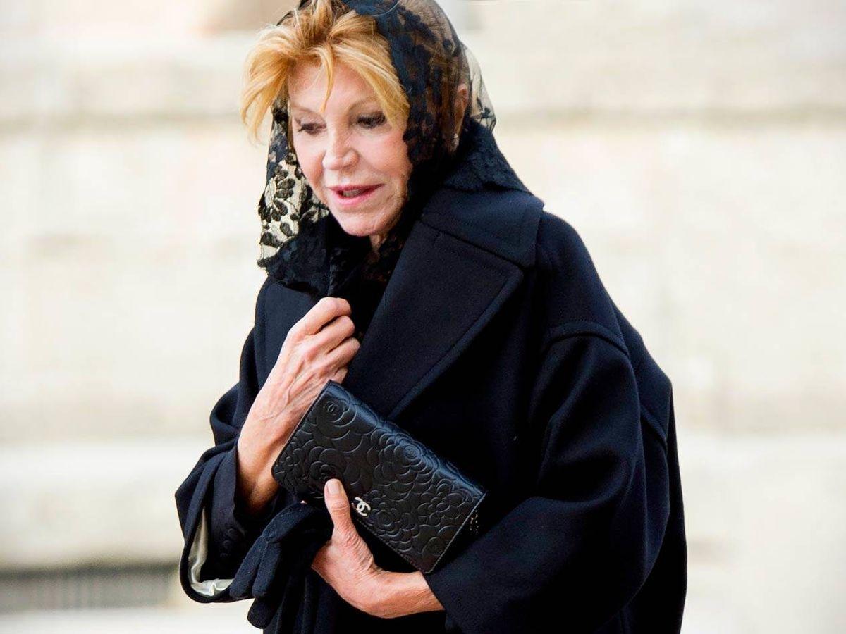 Foto: Carmen Cervera, entrando en la basílica de El Escorial para el funeral de la infanta Pilar. (Getty)