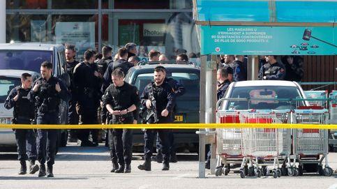 Muere el gendarme que se cambió por un rehén en el ataque en Carcasona
