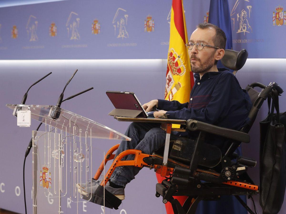 Foto: El portavoz de Unidas Podemos, Pablo Echenique, durante la rueda de prensa ofrecida este martes en el Congreso tras la Junta de Portavoces. (EFE)