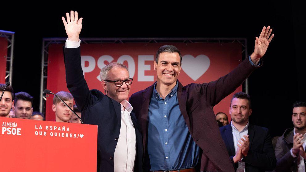Sánchez carga contra las barbaridades de Illana: Ser Suárez no se hereda