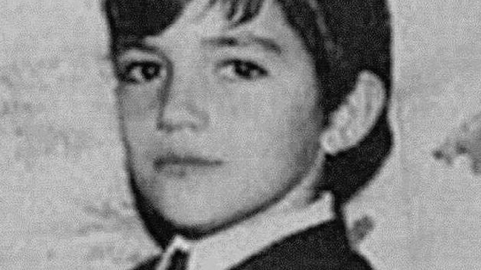 ¿Qué famoso ha compartido esta imagen de su infancia?