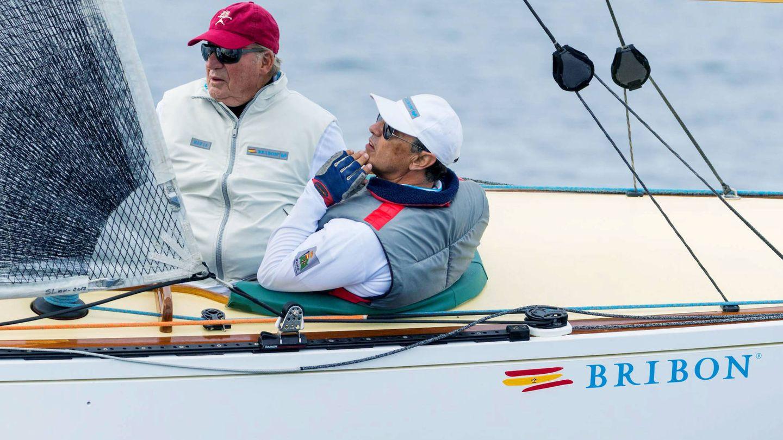 Pedro Campos y don Juan Carlos. (EFE)