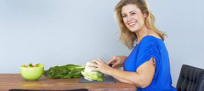 Foto: Priorizar la ingesta de ensaladas es la mejor herramienta para retomar la normalidad tras los excesos veraniegos. (Corbis)