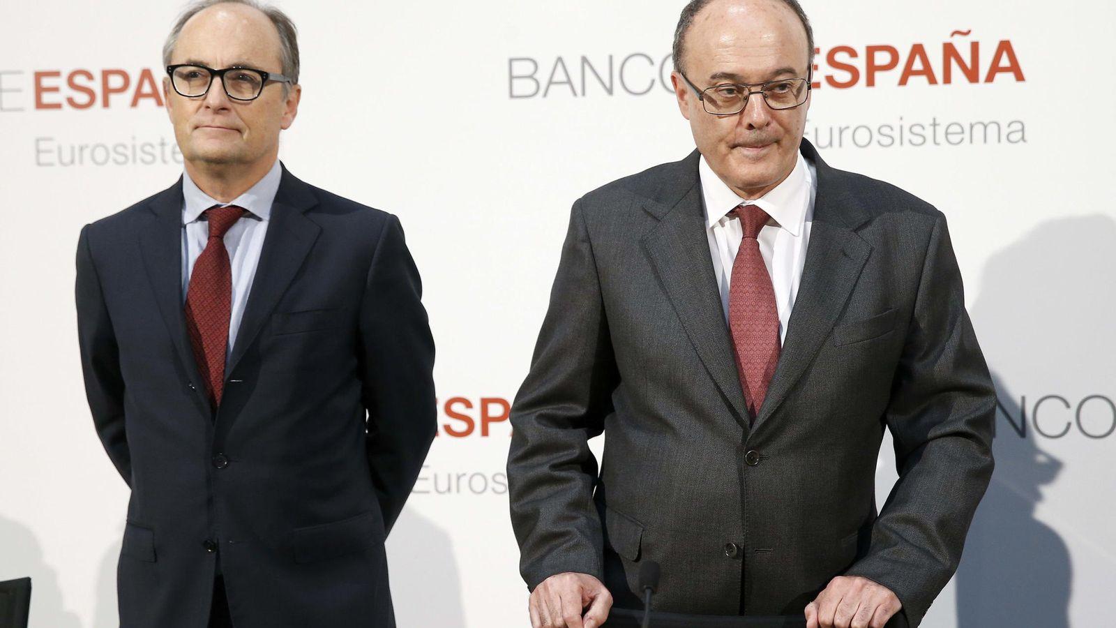 Foto: El subgobernador del Banco de España, Fernando Restoy (i), y el gobernador, Luis Linde. (EFE)