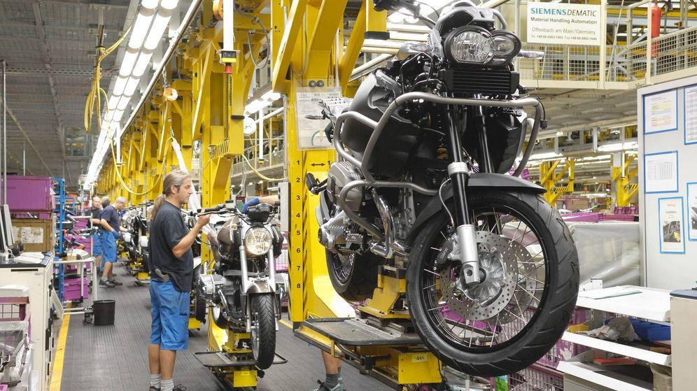 Foto: La división de motos de BMW ha parado su producción hasta el 15 de abril, de momento.