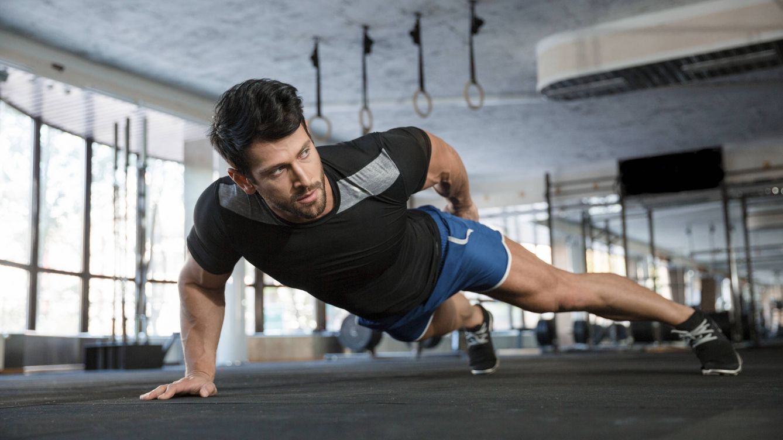Foto: Con dos sencillos ejercicios eliminarás toda esa barriga. (iStock)