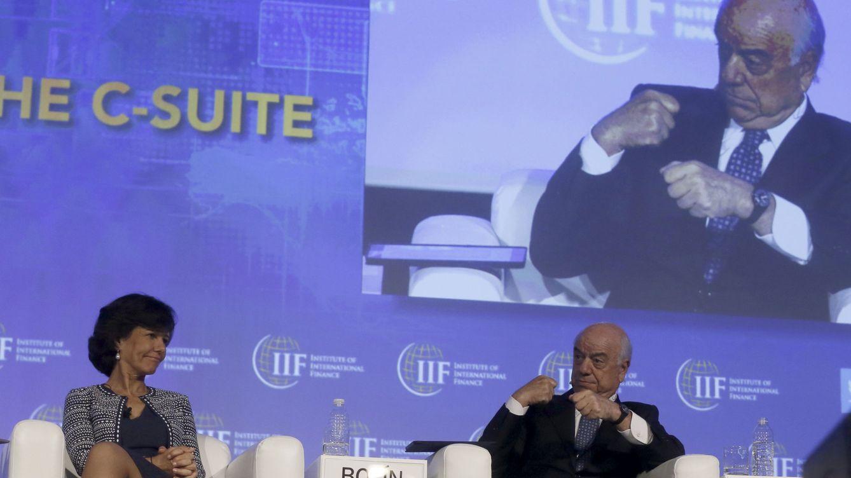Foto: La presidenta del Banco Santander, Ana Botín, junto al presidente de BBVA, Francisco González.