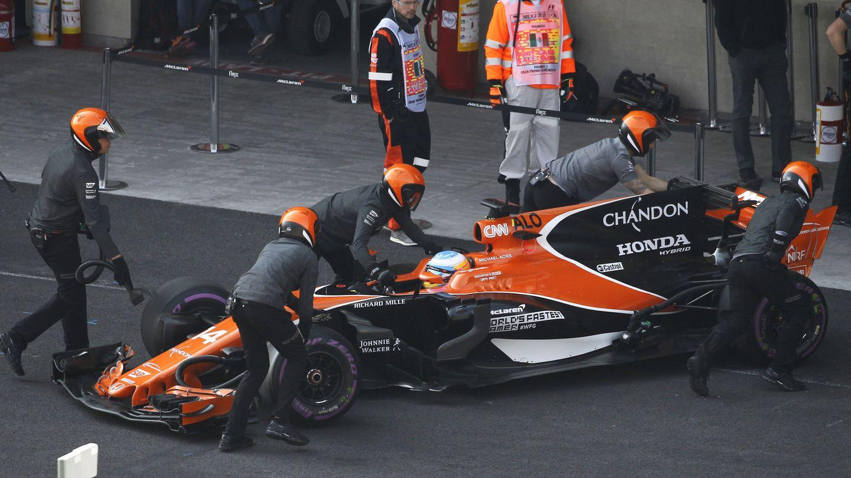 Fernando Alonso no rodó en la Q2 para reservar neumáticos para la carrera. (EFE)