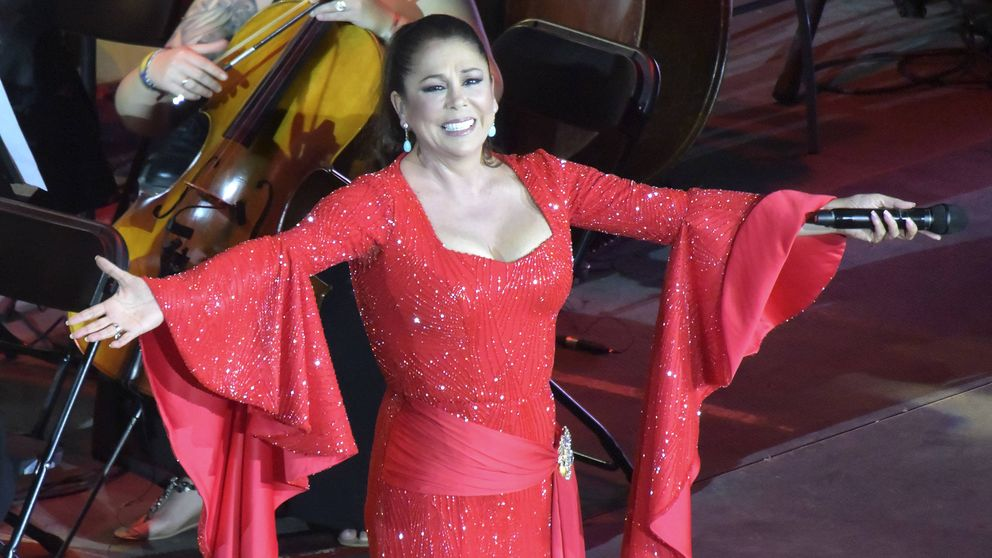 Isabel Pantoja se pronuncia (indirectamente) sobre la cancelación de sus conciertos