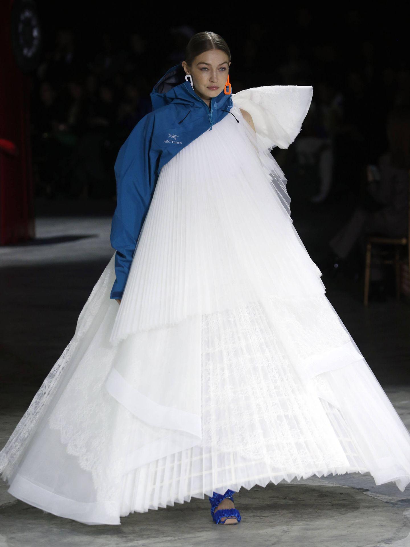 Gigi Hadid, en el desfile de Off-White.  (Getty)