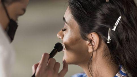 Cepillado en seco del rostro o hacerse un 'dry brushing' facial para drenar y exfoliar