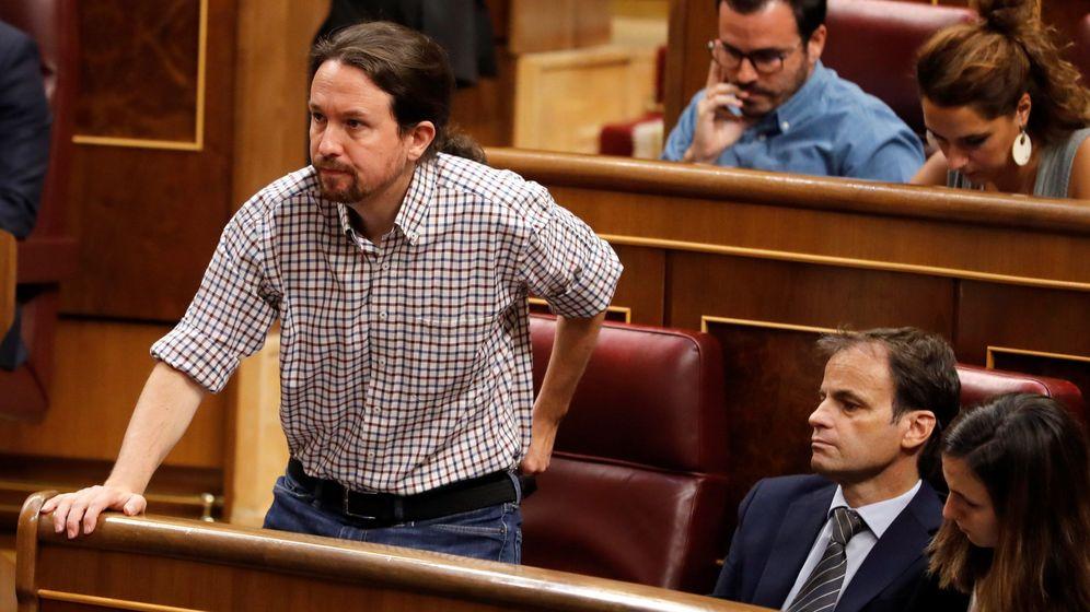 Foto: El líder de Unidas Podemos, Pablo Iglesias, vota en la segunda y definitiva votación de investidura del candidato socialista, Pedro Sánchez. (EFE)