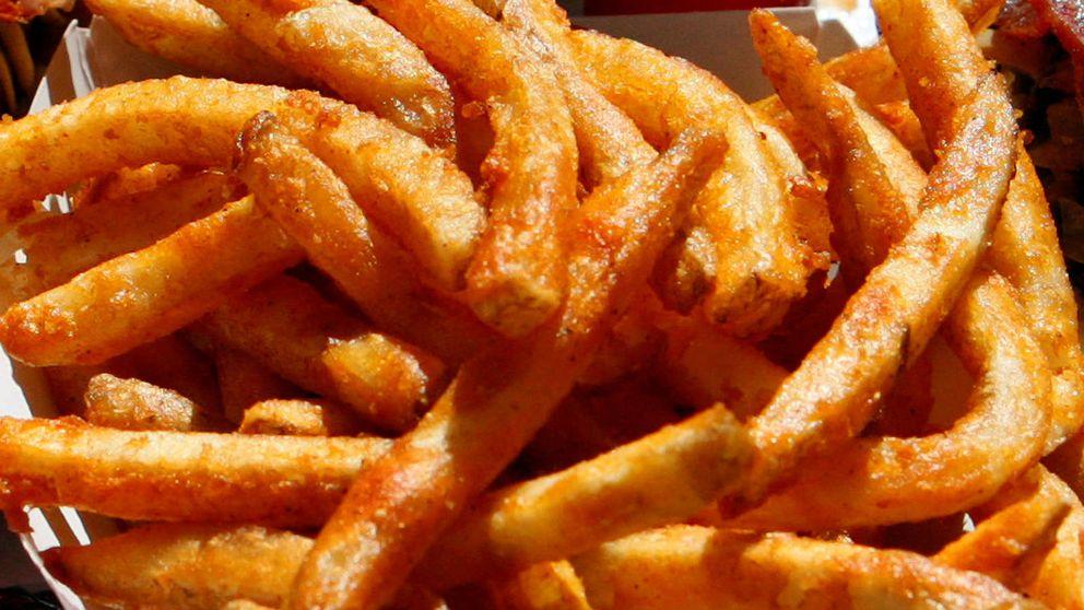 Lo que las patatas fritas y el chocolate hacen realmente en tu cuerpo