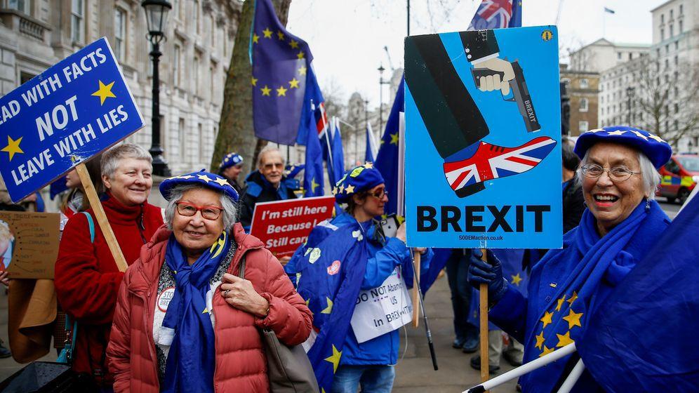 Foto: Manifestantes contra el Brexit. (Reuters)