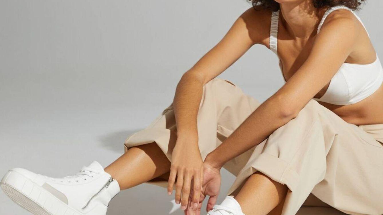 Las zapatillas para chicas bajitas que estilizan la pierna y sustituyen a los tacones