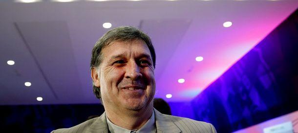 Foto: Martino, nada más concluir una comparecencia de prensa (Efe).
