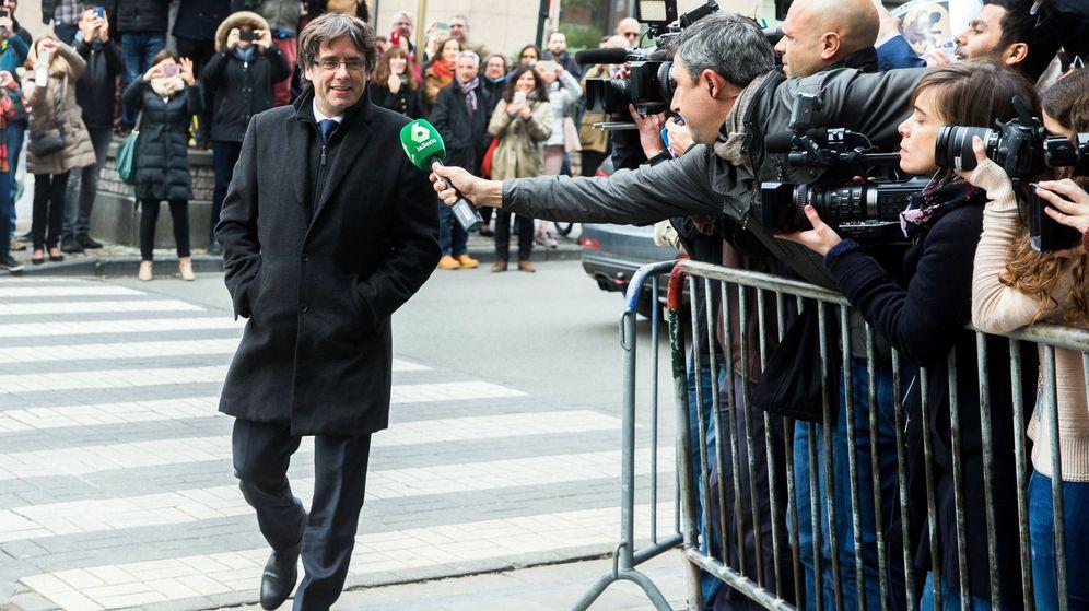 Foto: El 'expresident' Carles Puigdemont comparece ante los medios en Bruselas. (EFE)
