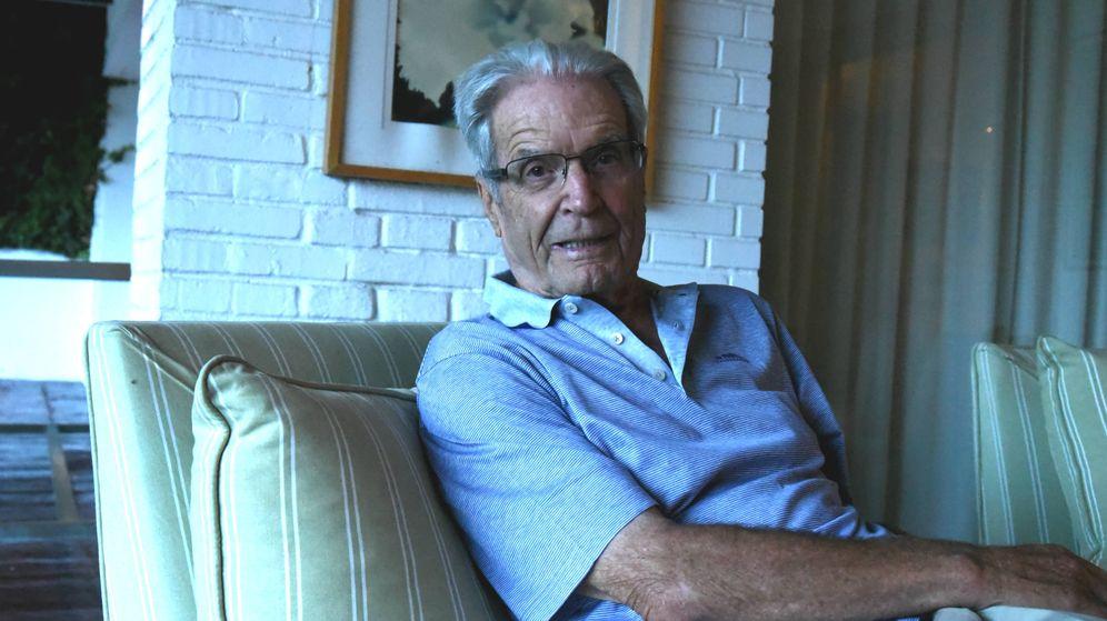 Foto: Antonio Garrigues Walker, en un momento de la entrevista. (Agustín Rivera)