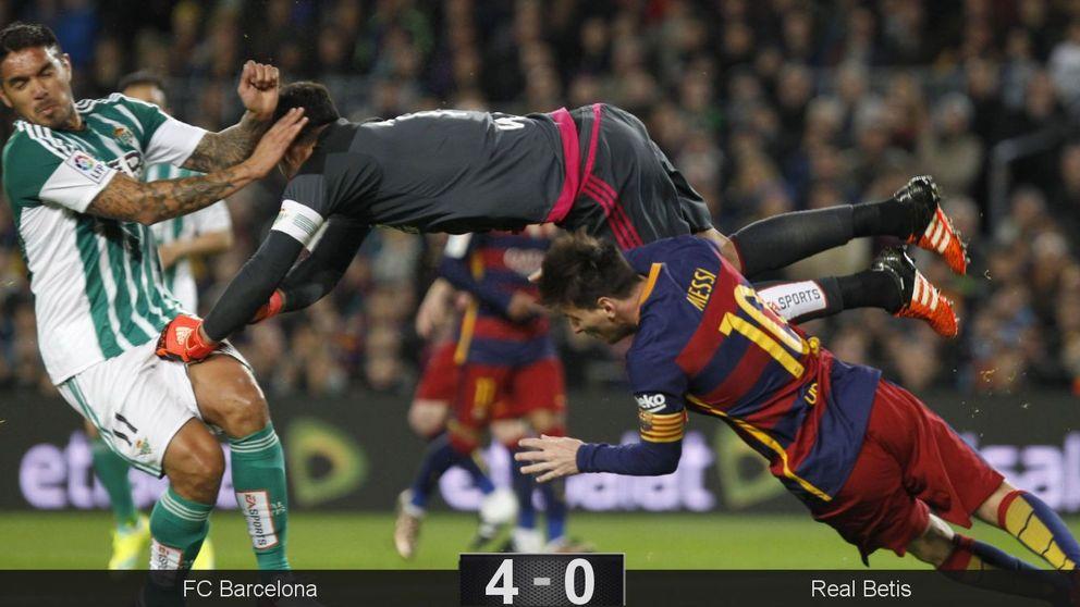 Un penalti derrumba al Betis y despierta a un Barcelona de récord