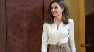 El look 'estrellado' de la reina Letizia con dos nuevos estrenos como protagonistas