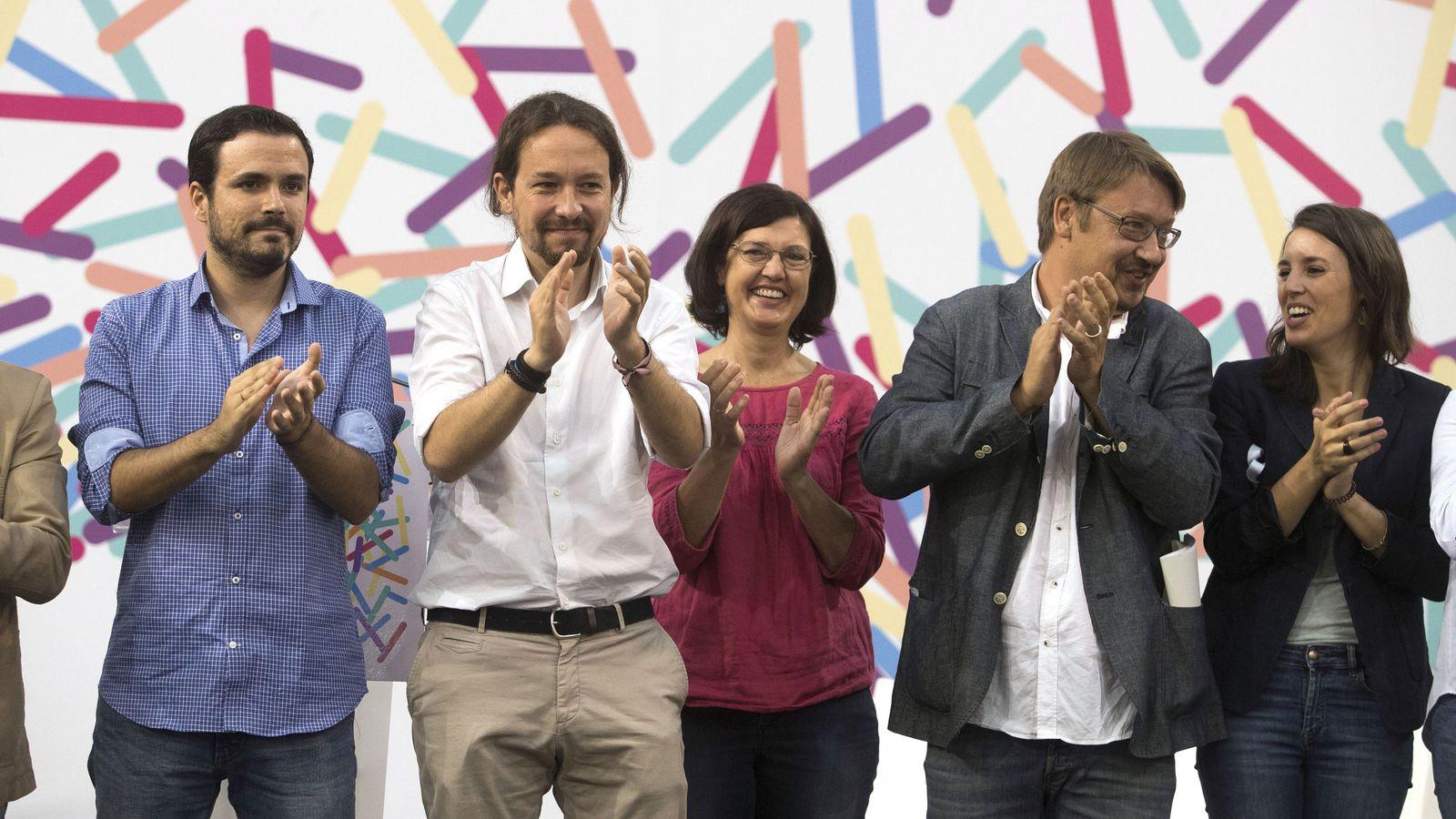 Foto:  El coordinador federal de IU, Alberto Garzón (i), el secretario general de Podemos, Pablo Iglesias (i), el portavoz de En Comú Podem y líder de Cataluña En Comù, Xavier Domènech (2d), la portavoz de Podemos en el Congreso, Irene Montero (d). (EFE)