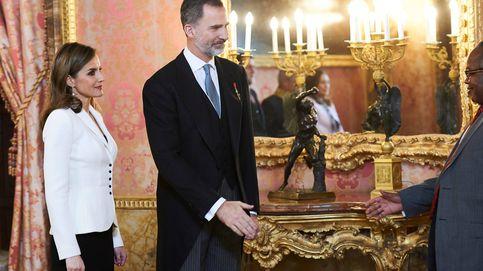 Los Reyes reciben al cuerpo diplomático acreditado en España en el Palacio Real