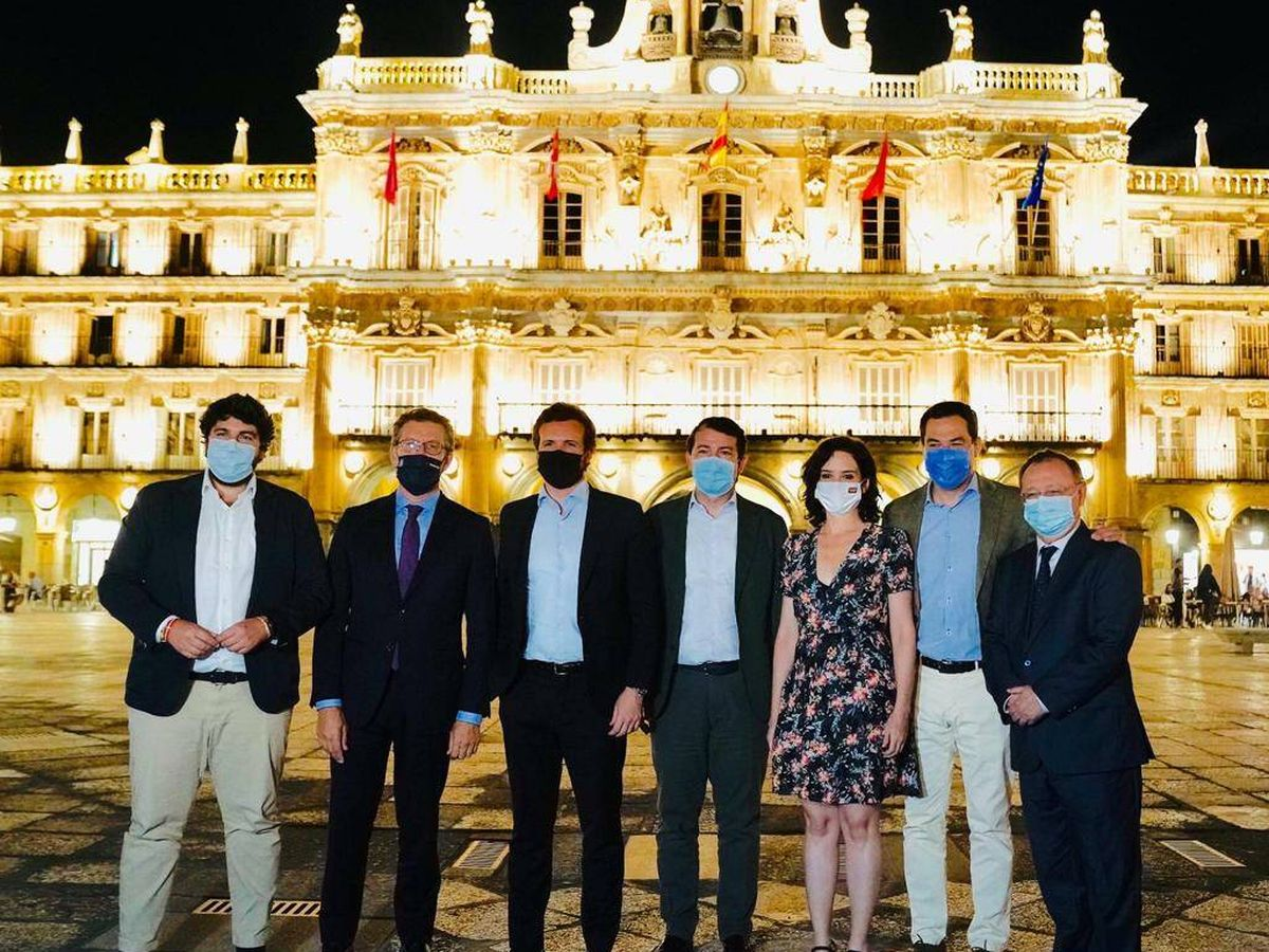 Foto: Casado y los barones del PP. (David Mudarra)
