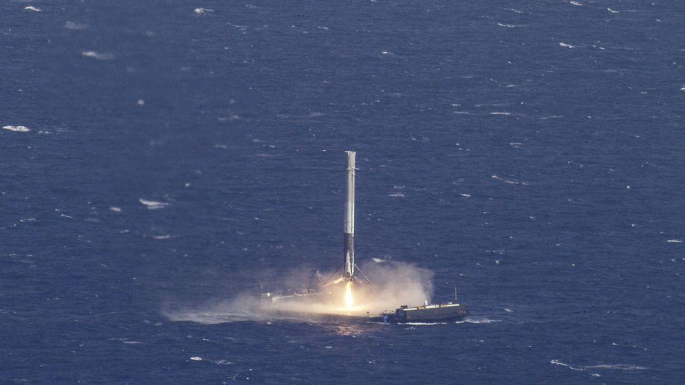 Foto: La primera etapa que SpaceX ha reutilizado hoy en su primer vuelo, en abril de 2016. (Reuters)