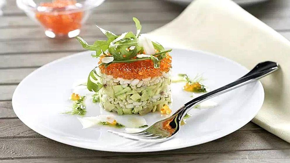 Timbal de guacamole y arroz con quinoa,  4 cereales y huevas de salmón