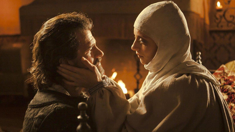 Michelle Jenner y Rodolfo Sancho, en una escena de la tercera temporada de la serie 'Isabel'. (EFE)