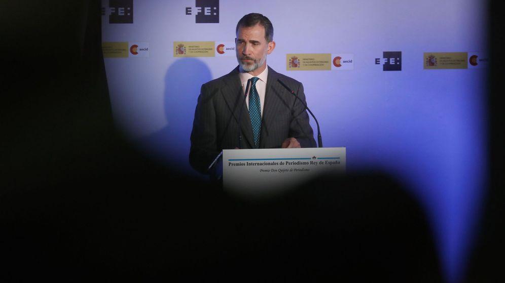 Foto: El rey Felipe, durante el discurso que ha pronunciado en la ceremonia de entrega de los XXXV Premios Internacionales de Periodismo Rey de España. (EFE)