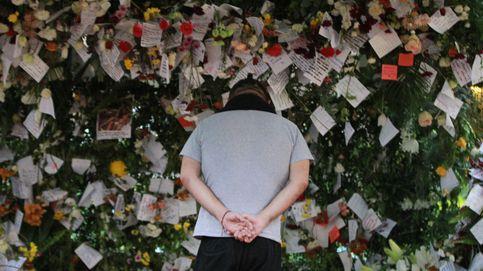 Ofrendas florales por las víctimas del terremoto