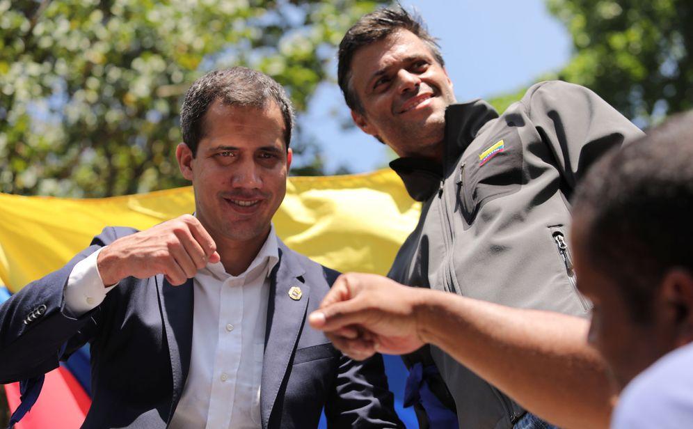 Foto: Juan Guaidó y Leopoldo López, el 30 de abril en Caracas. (Reuters)