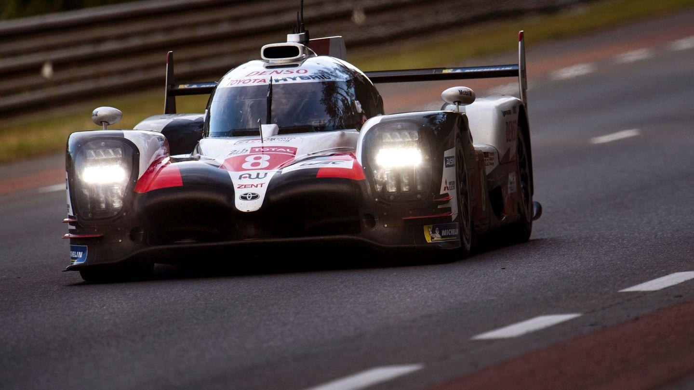 Fernando Alonso durante las 24 Horas de Le Mans. (EFE)