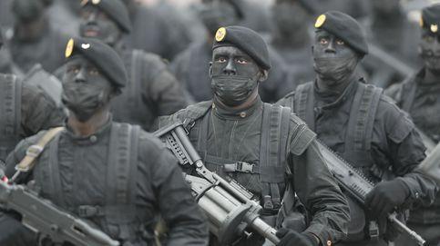 Desfile militar por las Fiestas Patrias en Perú
