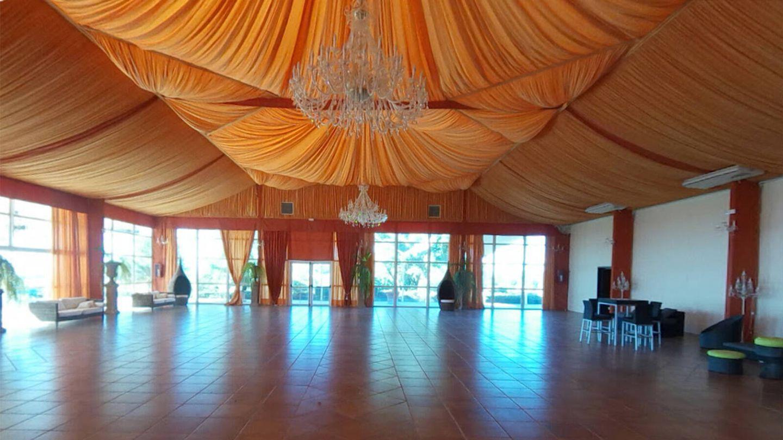 Salón de bodas de la finca Yerbabuena. (Cortesía)