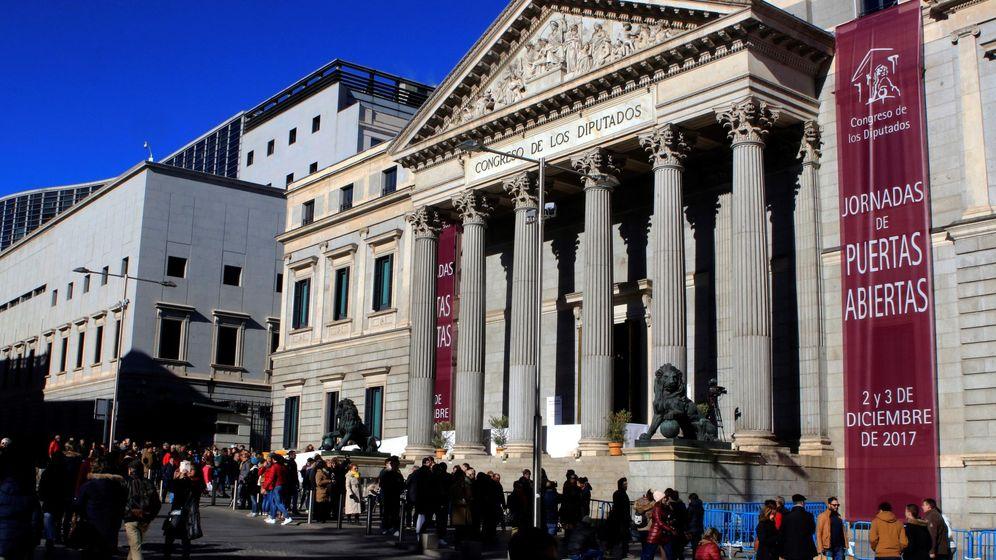 Foto: Jornada de puertas abiertas del Congreso de los Diputados. (EFE)