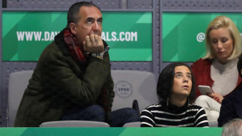 Jaime de Marichalar y su hija Victoria Federica durante el partido entre el tenista español Rafael Nadal y el británico Daniel Evans. (EFE)