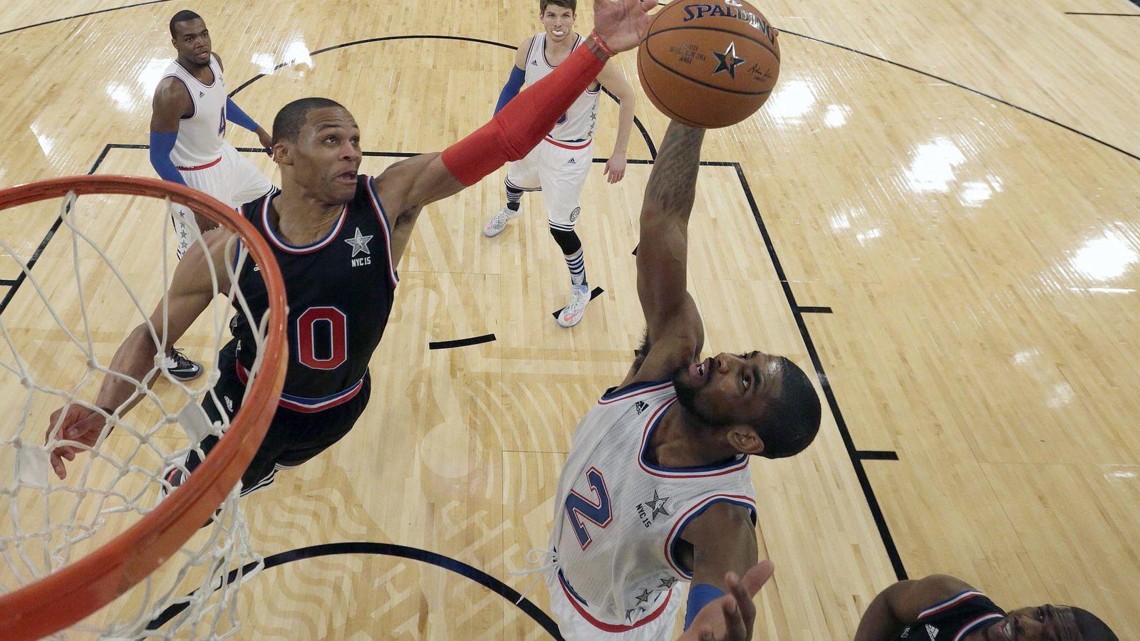 Foto: Russell Westbrook y Kyrie Irving, en el All Star de la NBA. (EFE)