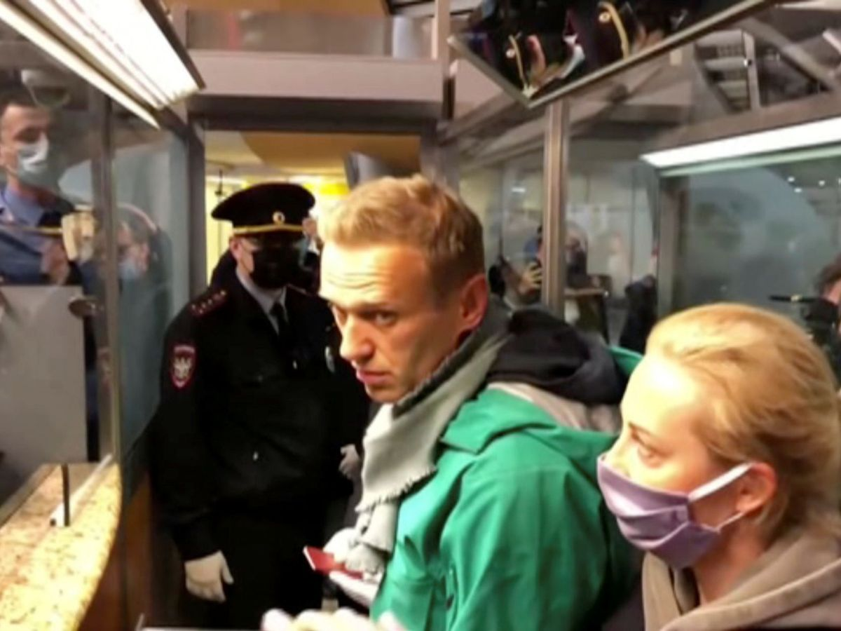Foto: Police officers detain russian opposition leader alexei navalny in moscow