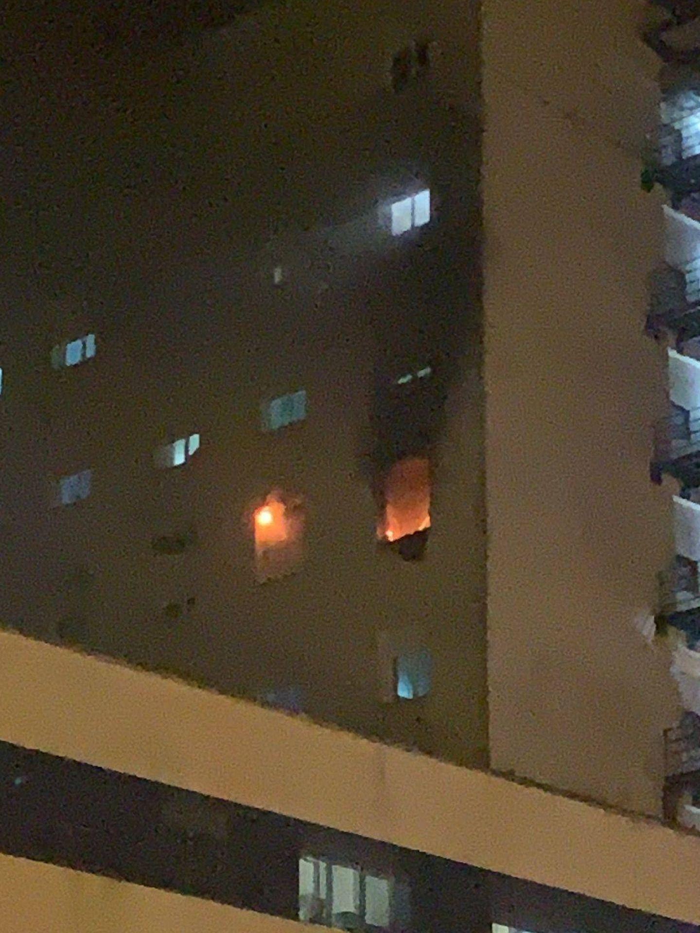 Las llamas se propagaron por una planta del hospital de Cádiz. (Europa Press)