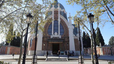 Seis detenidos por hacer un botellón en el cementerio de La Almudena sin mascarilla