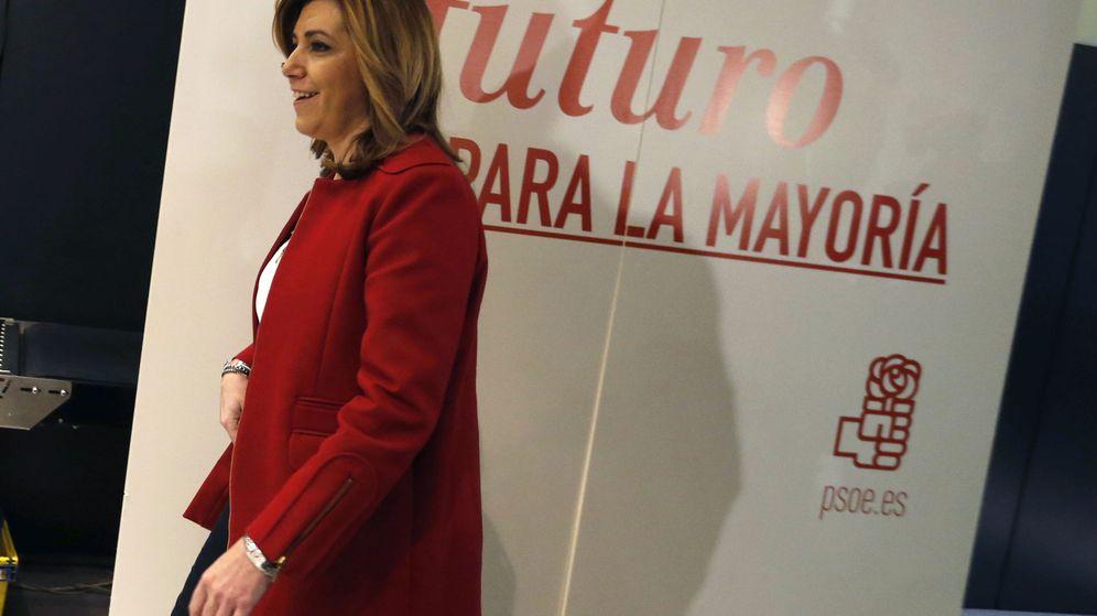 Foto: La presidenta de la Junta de Andalucía, Susana Díaz, a su llegada a la sede socialista de Ferraz, este sábado. (EFE)