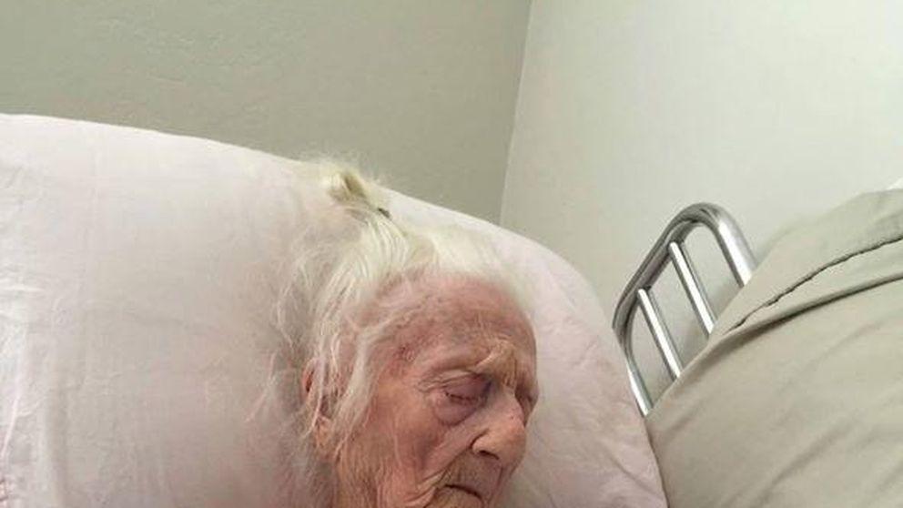La emotiva foto de una anciana de 101 años con su tataranieto