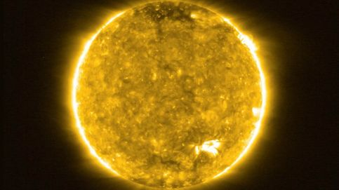 Los planetas del Sistema Solar no orbitan, exactamente, alrededor del Sol
